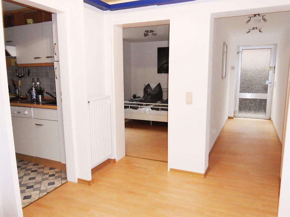 Ferienwohnung 2 liegt im souterrain und ist fuer zwei bis vier personen geeignet - Was ist souterrain ...